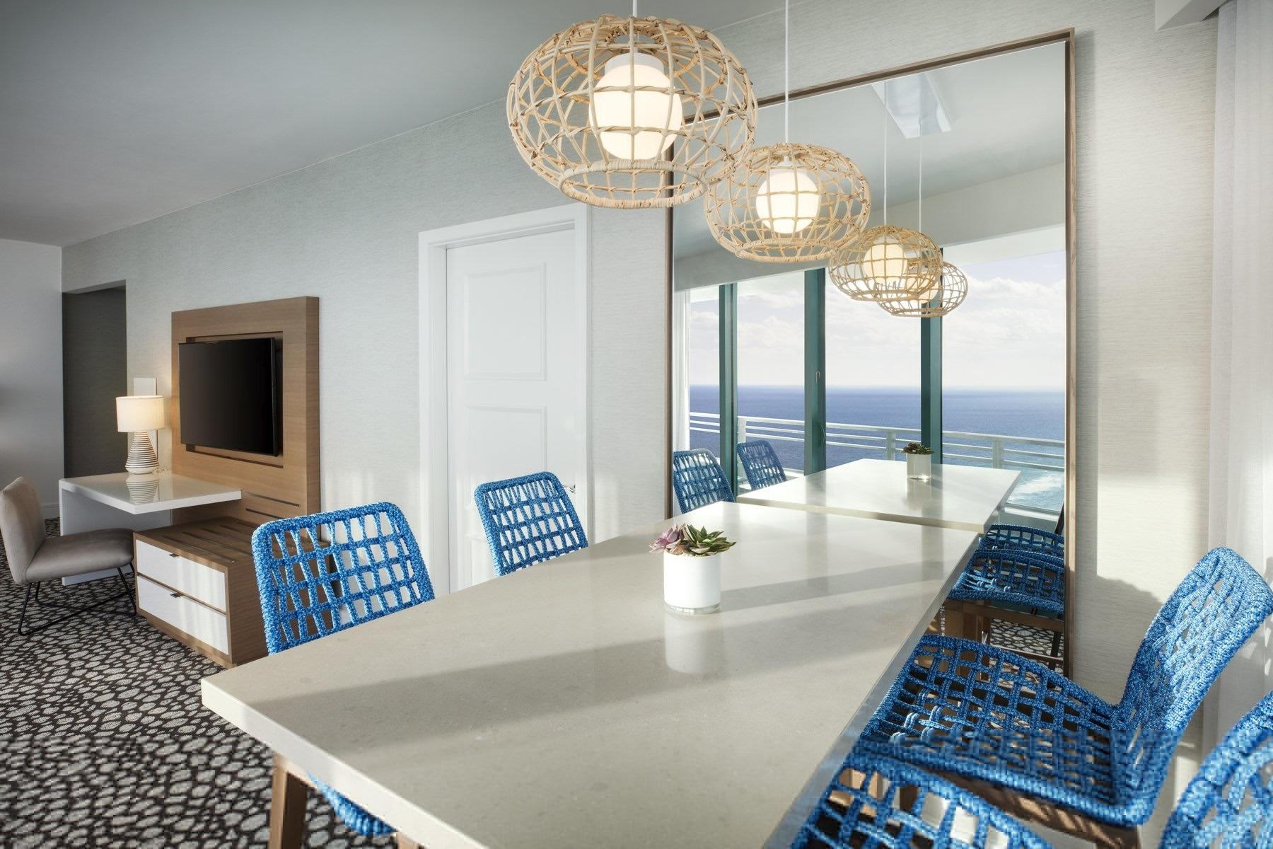 Corner Suite Dining