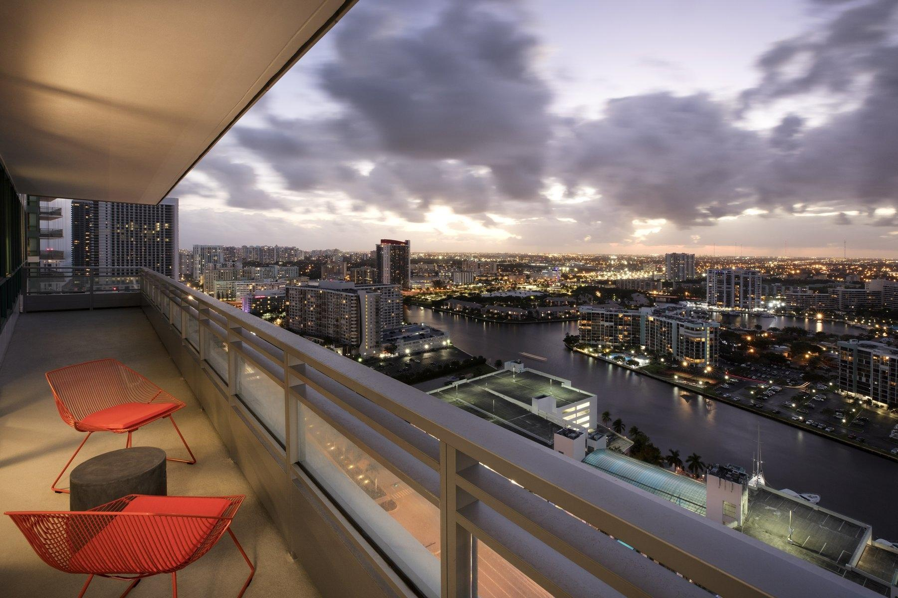 Deluxe Wraparound Balcony at Sunset