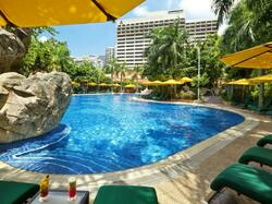 Artyzen Grand Lapa Macau - Swimming Pool & Hotel Building
