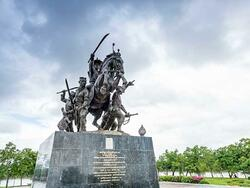 King Taksin Monument near Chatrium Golf Resort Soi Dao Chanthaburi