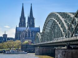 Arche bridge - Dom Hotel Am Roemerbrunnen