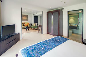Deluxe Poolside | Bali Resort Accommodation at The Pool's Edge
