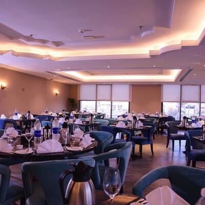 Al Multaqa Restaurant Overview