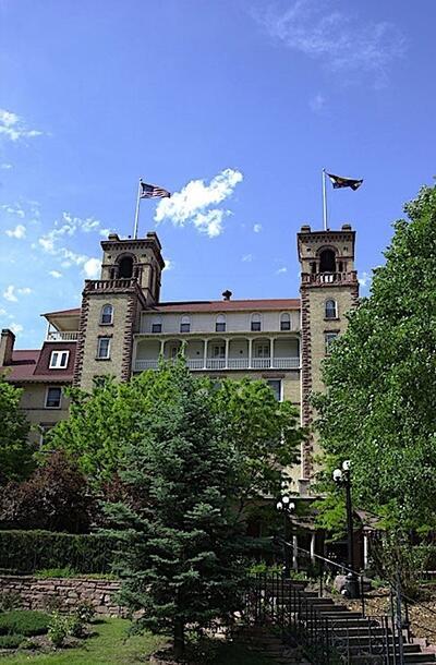 Hotel Colorado exterior