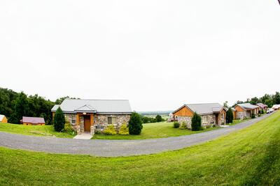 Row of lodges at Gettysburg.