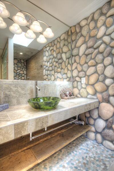 island retreat bathroom