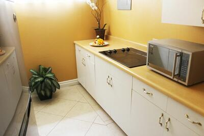 Townhouse Kitchenette