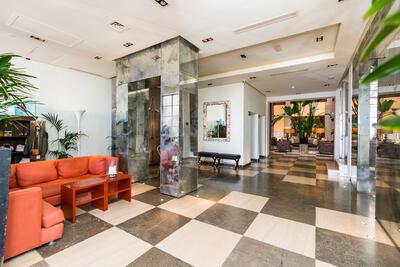 Recepción del Hotel Club Marítimo de Sotogrande en Cádiz