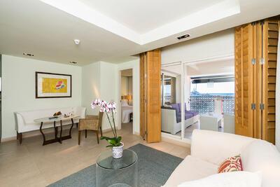 Suite del Hotel Club Marítimo de Sotogrande en Cádiz