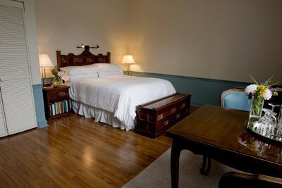 Traditional Queen Room