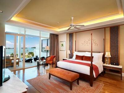 Grand viceroy room furnished with a king bed, tv, large private