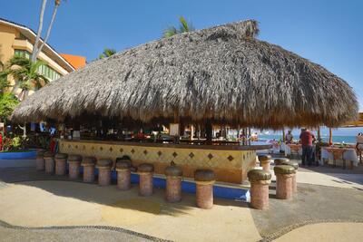 Las Palmas by the Sea Bar Hurakenna Puerto Vallarta