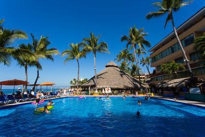 Las Palmas by the Sea Family Pool