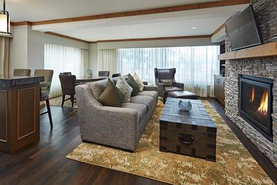 Landing Tahoe Lakefront one bedroom suite living area and firepl