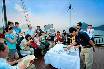 Halong Plaza Hotel - Cooking class on the sundeck