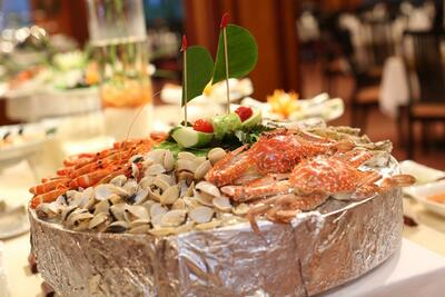 Halong Plaza Hotel - Four_Seasons_Restaurant_Buffet