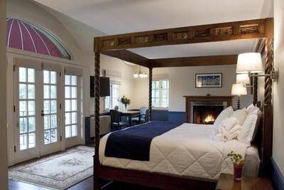 Woodburning Fireplace King Room