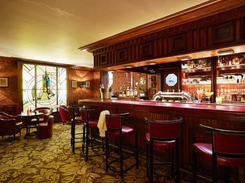 Bar at Domaine de Divonne Hotel in Divonne-les-Bains