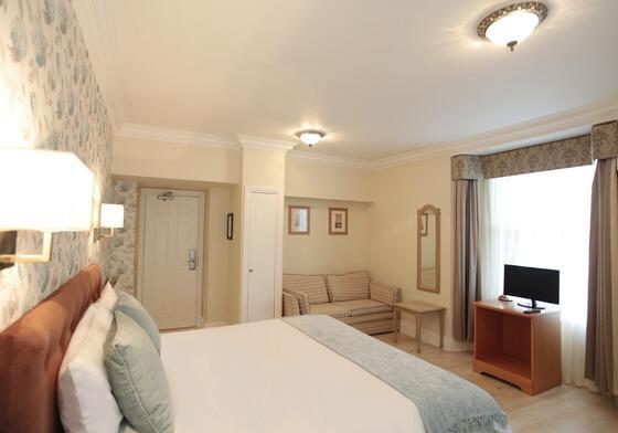 Accommodation at Victoria Square Hotel in Bristol