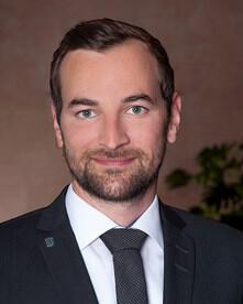 Yves Mettler, Restaurant Manager
