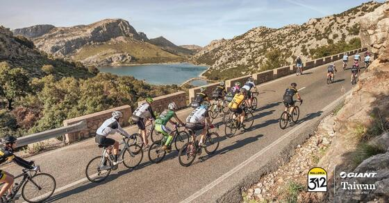 Ciclismo cerca del Hotel Aimia en Port de Sóller, Mallorca