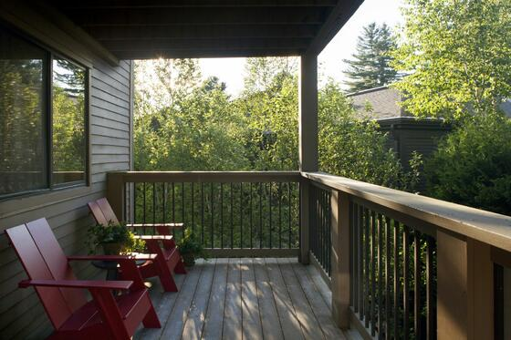 Terrace area in a cottage at Topnotch Stowe Resort