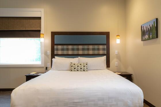 Canada-themed hotel room.