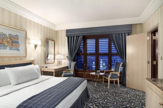 One Bedroom King Suite (1)