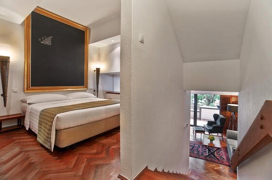Parklane Split Level Studio Suite - Goodwood Park Hotel