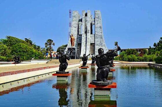 Kwame-Nkrumah-Parl near Kwarleyz Residence in Accra