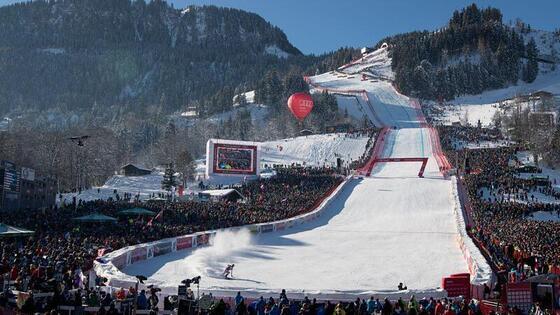 Ski activities near Gasthof Eggerwirt Hotel in Kitzbühel, Austri