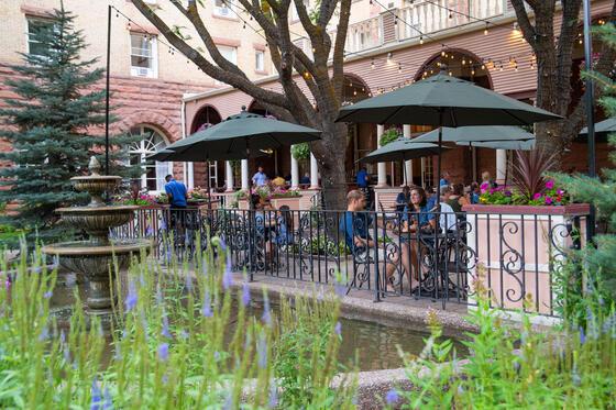 Hotel Colorado Courtyard