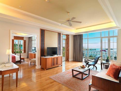 Spacious Countess Suite with balconies that overlook the ocean