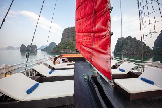 Syrena Cruises Sundeck