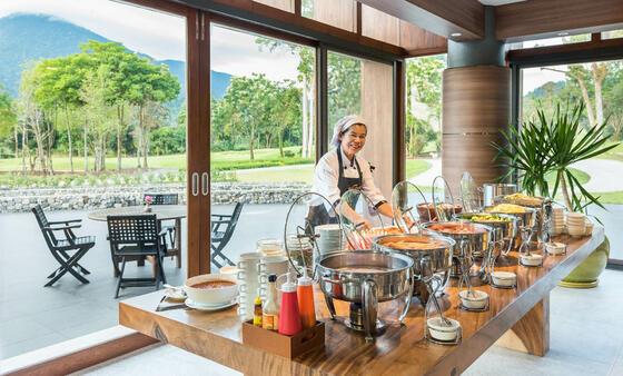 Chatrium Golf Resort Soi Dao Restaurant Breakfast