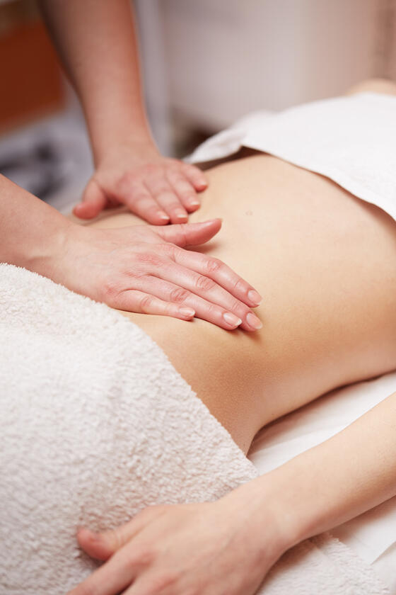 A picture of massaging in the Liebes Rot Fluh Hotel.