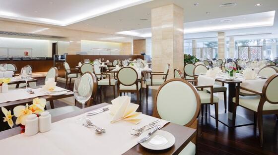 Brasserie la Crowne Plaza Hotel Bucharest