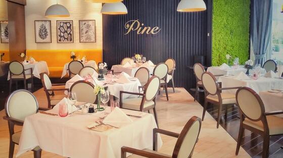 Restaurant la Crowne Plaza Hotel Bucharest