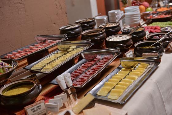 desayuno buffet en el hotel casa del sol