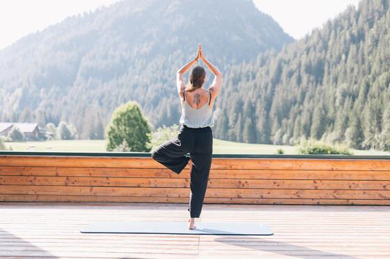 Yoga am Haldensee, Hotel Liebes Rot Flüh, Haldensee Tirol