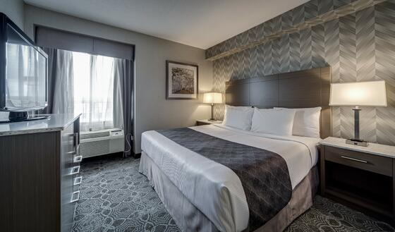 Rooms and Suites - Monte Carlo Inn Toronto Markham