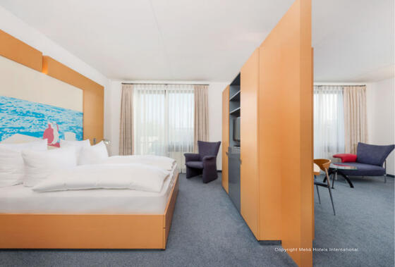 other view of the suite room at Precise House Düsseldorf Airport