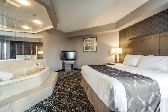 Romantic Suites in Brampton - Monte Carlo Inns