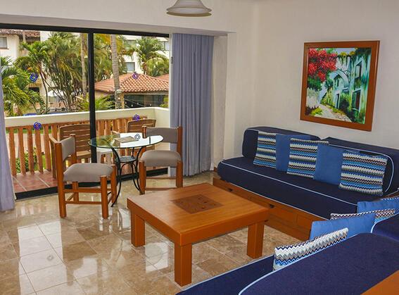 Suite at Plaza Pelicanos Grand Beach Resort Hotel