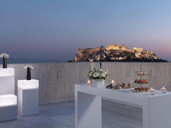 Al fresco restaurant with acropolis views at NJV Athens Plaza Ho