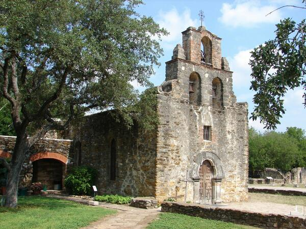Exterior of Mission espada