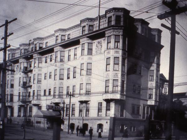 Photo of the hotel exterior as it was in 1902
