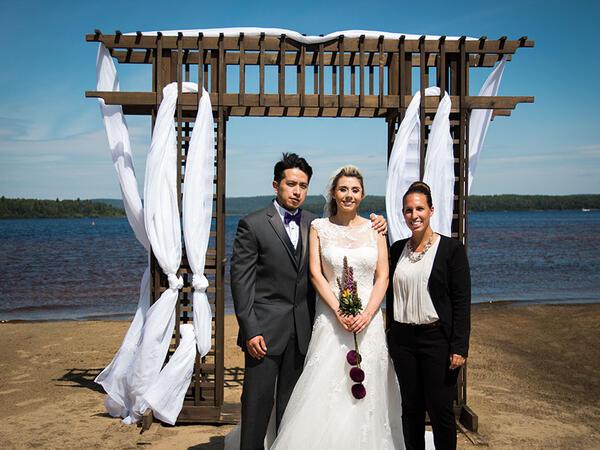 Autel Couple Mariage dans Auberge du Lac Taureau, The Originals