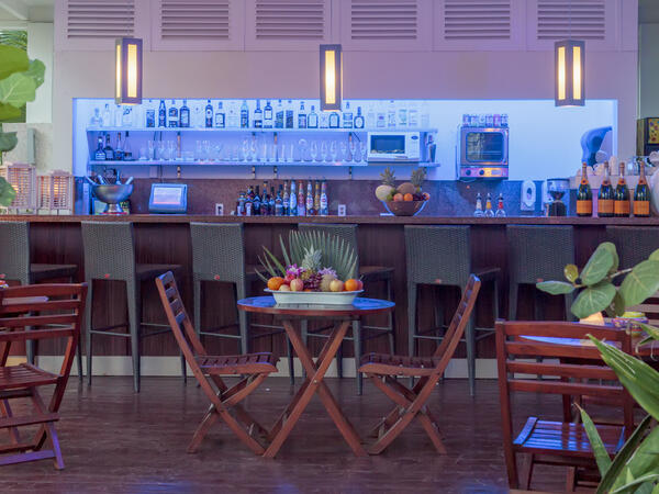 Floris Hotel Pool Bar