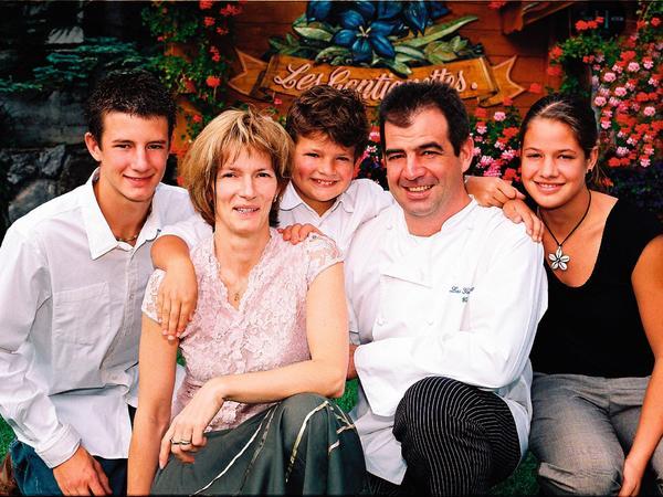 Photo de Famille avec Nicolas, Nathalie, Léo, Claude et Sandrine